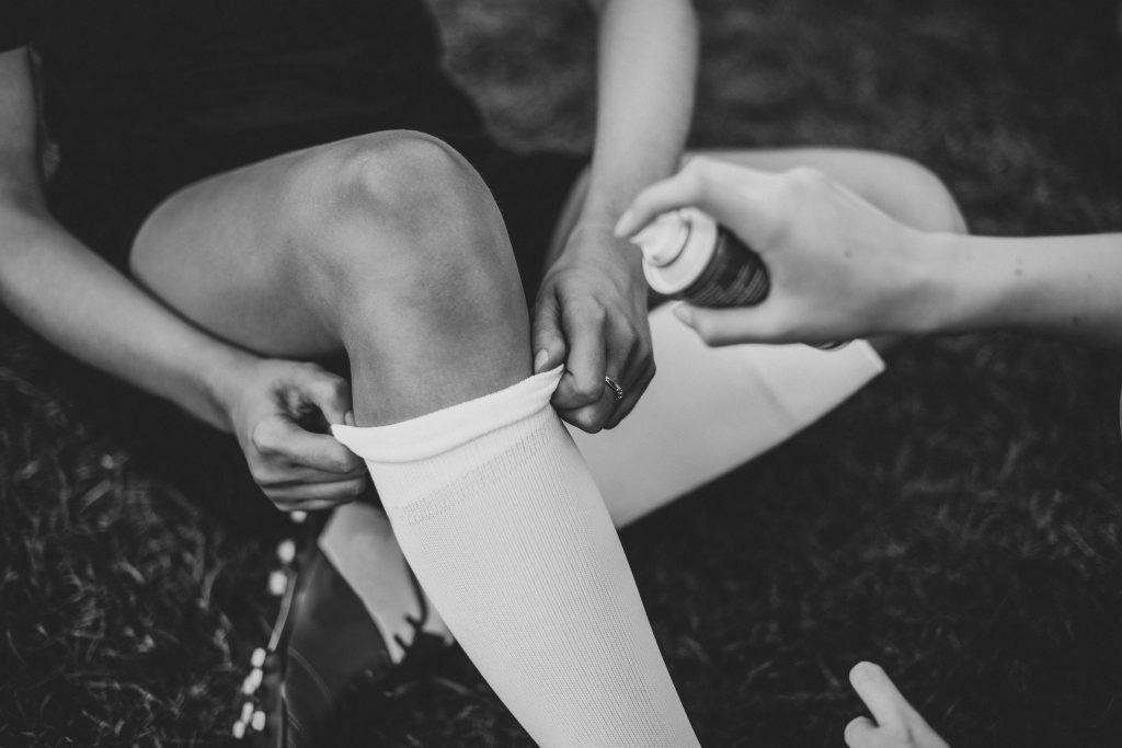 Por qué se inflaman las rodillas