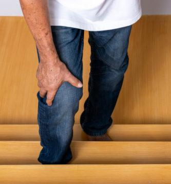 dolor de rodillas al subir escaleras